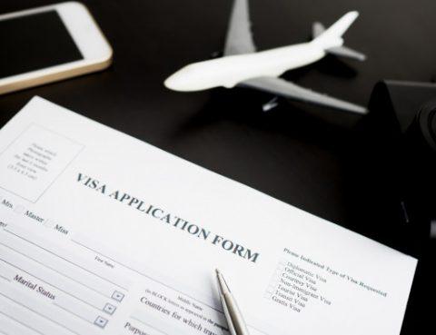 Thủ tục và điều kiện làm thẻ tạm trú cho người nước ngoài